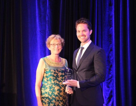 PCK associate, Damian Rolfe, accepts the J. Edward Maybee Memorial Award for achieving the highest overall score in the Canadian Patent Agents Qualifying Examination.